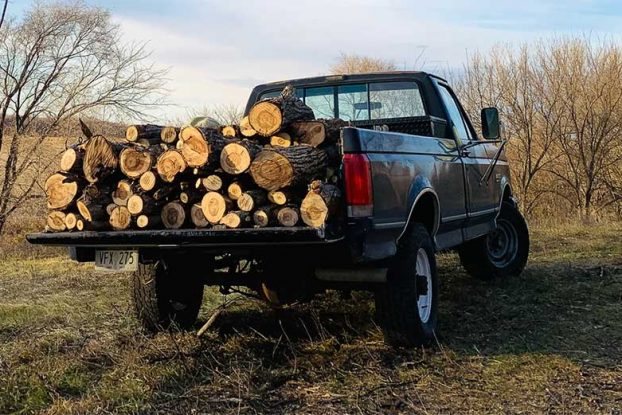 How Much Weight Can a 1/2 Ton Pickup Carry?